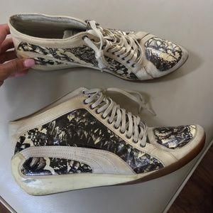 2x$20 PUMA Alexander MQueen Kori Cream shoes 8